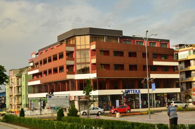 Семеен хотел Ла Пиаца / La Piazza