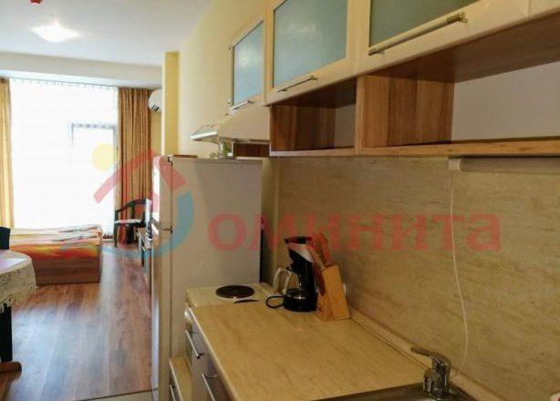 142098860_3_585x461_studio-na-parva-liniya-plazh-apartamenti