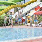 групов скок в басейна на аквапарк Приморско