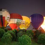 издигане с балон в небето над приморско